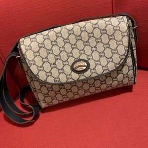 e0068ceb75e Women s Vintage Gucci Plus Bag on Poshmark